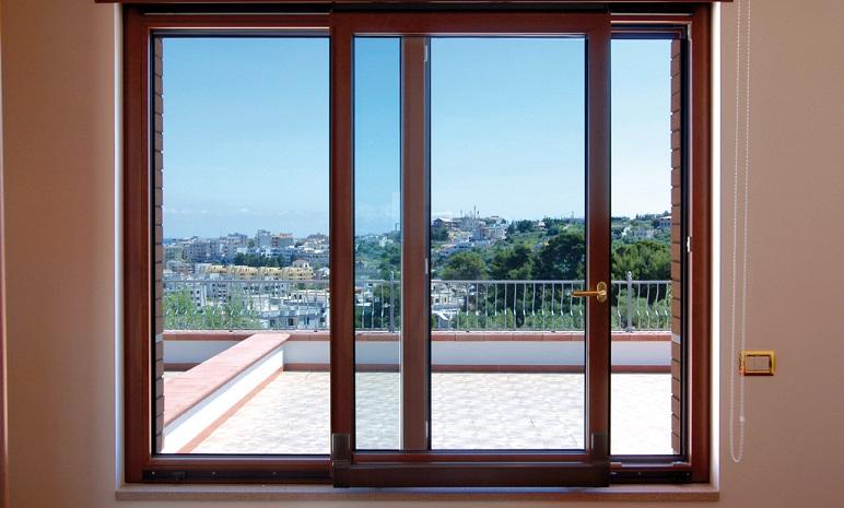 5 validi motivi per sostituire i vetri degli infissi di casa tua - Vetri decorati per finestre ...